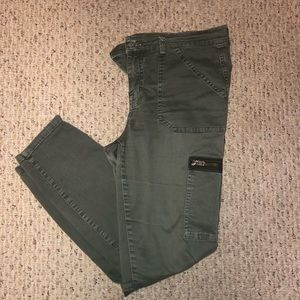 Madewell Olive Green Cargo Style Pocket Jeans